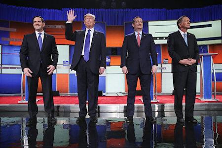 2016年3月3日,参加共和党底特律辩论会的4名选将。从左至右分别为:卢比奥、川普、科鲁兹、卡西奇。(Chip Somodevilla/Getty Images)
