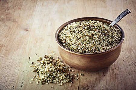 helled hemp seeds