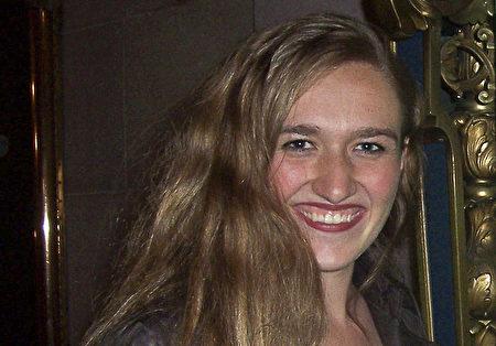 舞蹈演员Heather Brown说,她爱上了神韵。(周容/大纪元)
