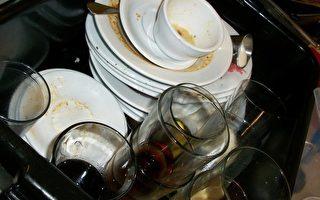 別跟荷包過不去 油膩碗盤別直接用水沖