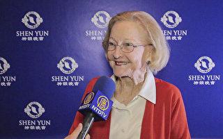 Jane Enniss觀看了1月13日神韻北美藝術團在亞特蘭大科布能源中心劇場的演出。(新唐人視頻截圖)