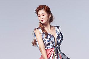 羅晴首張個人全創作專輯《LO V.1.》,以6首代表她個性的曲目,作為專輯主要核心。(亞司媒體提供)