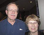 Paul Hamilton先生和妻子一起观看了当晚的演出,他们表示,演出非常典雅。(李佳/大纪元)