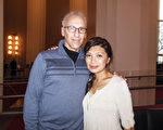 华府肯尼迪艺术中心的常客John Lefkowits和Cathy Lefkowits夫妇是第一次观看神韵,他们不约而同地表示,演出让他们看到了中华文化中非常美好的一面。(李辰/大纪元)