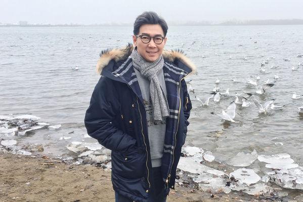 品冠重返加拿大稱「福地」 湖濱搞笑拍MV