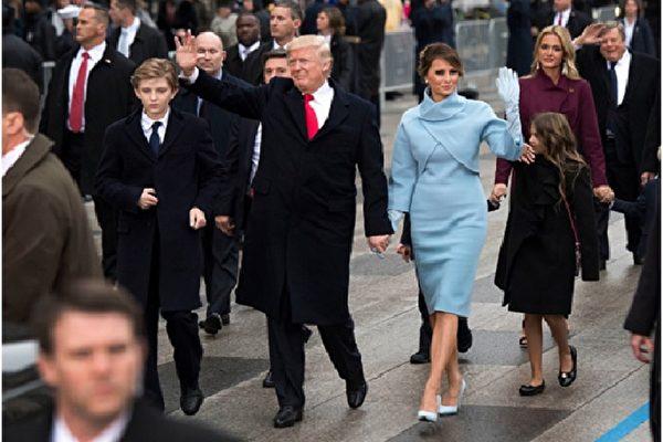 美国新第一夫人 梅兰妮亚时尚功力十足
