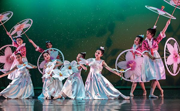 中华民俗艺术工作坊的舞蹈演出。(工作坊提供)