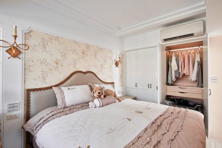 絢麗活潑的房間配色。(系統家具評價活動)(愛菲爾提供)