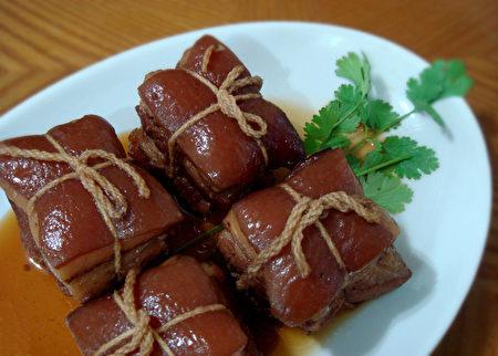 图:东坡肉是一道红烧猪肉,带有酒香、肥而不腻的美味佳肴。(彩霞/大纪元)