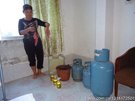 1月份以来,广西北海市白虎头村遭遇强拆。家家准备汽油瓶与煤气罐。(受访者提供)