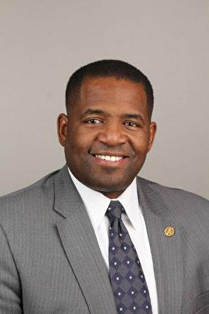 亚特兰大市议会议长米切尔