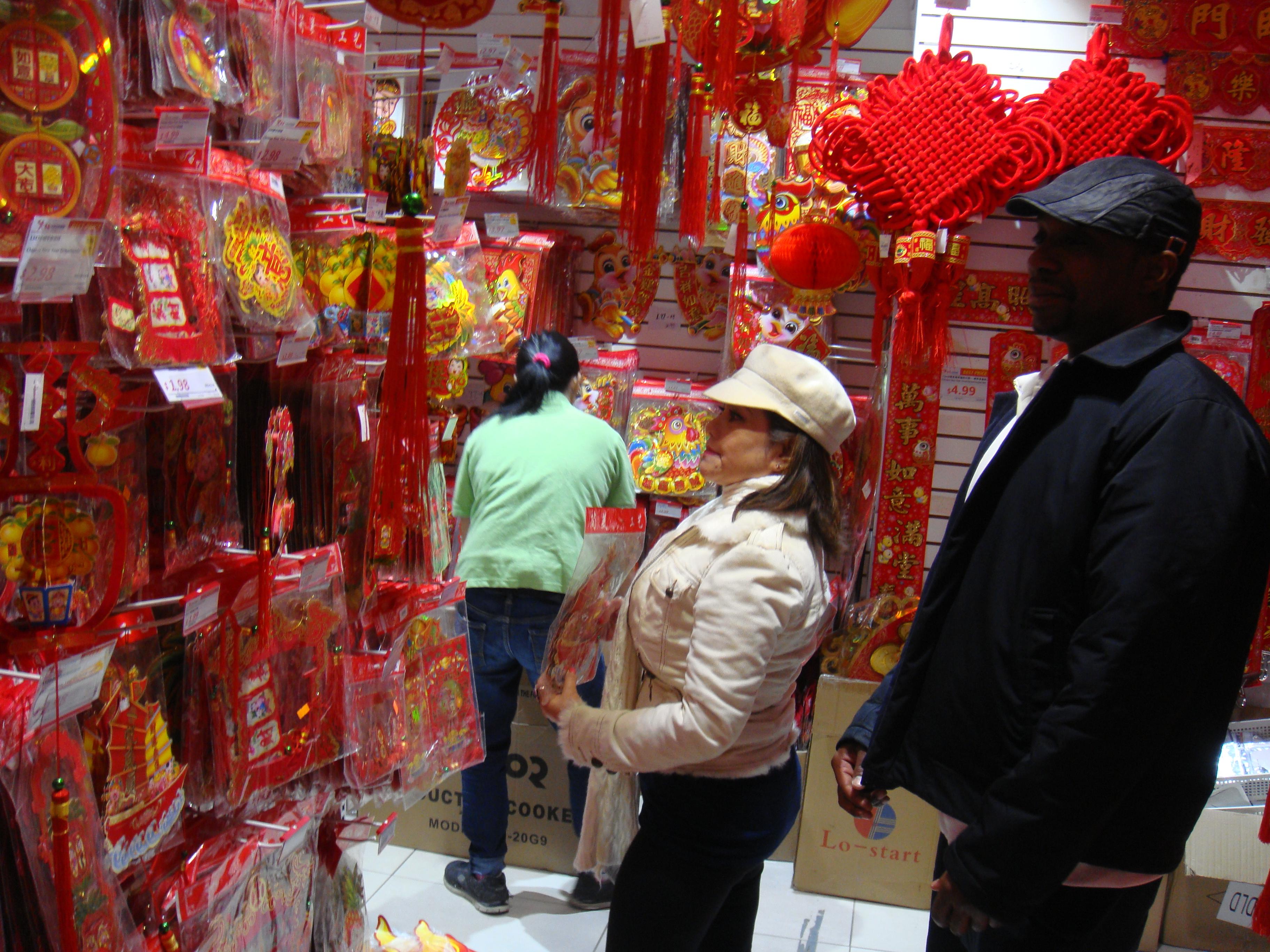外國人也過中國新年。(伊鈴/大紀元)