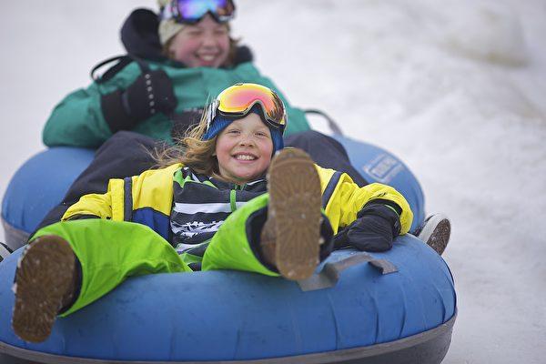 滑雪胎。(Mount Snow提供)