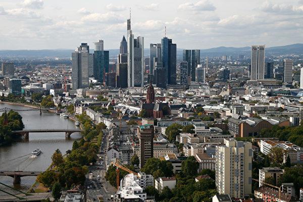 專家預計,今年德國房價將繼續上漲,房貸也仍舊維持低息。圖為德國法蘭克福 (Ralph Orlowski/Getty Images)