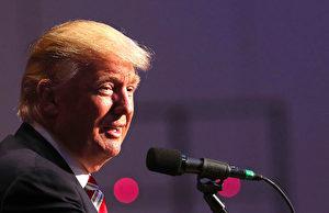 川普的头发成了他的一个重要标志。 (Spencer Platt/Getty Images)