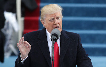 美國總統川普(特朗普)週三(25日)發推文表示,將於下週四(2月2日)選出美國最高法院大法官提名人。圖為川普1月20日在就職儀式上發表演說。(Photo by Alex Wong/Getty Images)