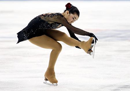 1月21日晚在美国堪萨斯城举行的全美花样滑冰锦标赛中,年仅17岁的台裔花样滑冰小将陈楷雯拿下冠军。 ( Jamie Squire/Getty Images)
