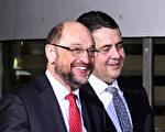 原歐洲議會主席舒爾茨(左)成為德國社民黨總理候選人。(TOBIAS SCHWARZ/AFP/Getty Images)