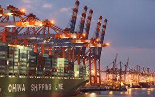 面对持续的全球需求疲软,中国庞大的出口引擎在2016年连续第二年熄火,出口下降。中共官员表示,跟美国之间贸易战的恐惧笼罩着2017年的前景。(Sean Gallup/Getty Images)