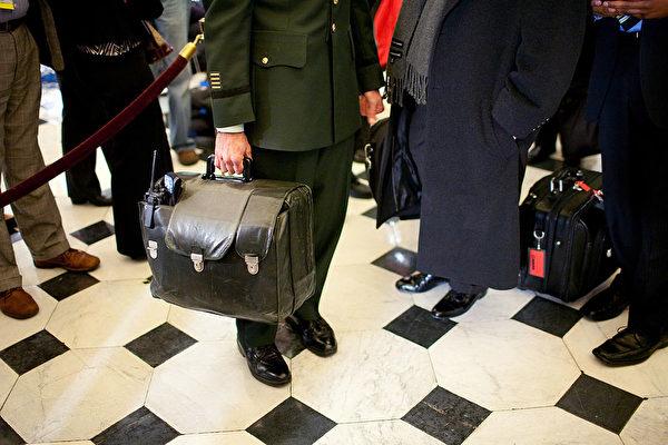 美总统就职大典:川普与核武密码
