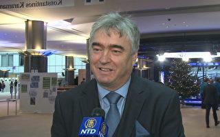 前斯洛文尼亞文化部長 歐洲議會議員米蘭·茲韋爾在歐洲議會接受媒體採訪。(新唐人)
