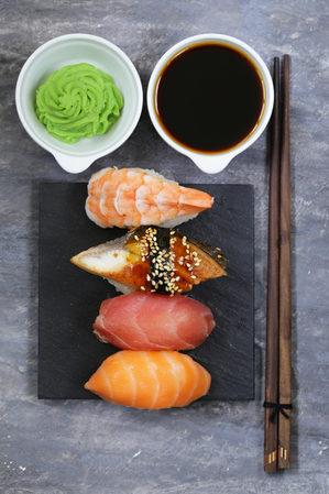 芥末无法杀死生鱼片上的寄生虫,将鱼煮熟是消灭寄生虫最简单的方法。(Fotolia)
