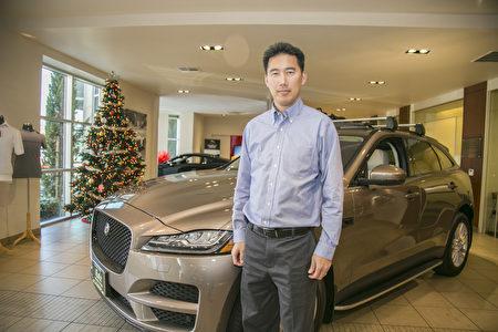 北加州最大路虎捷豹车行Cole European Jaguar的中文销售Jeffrey Wang。 (曹景哲/大纪元)