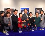 台湾前行政院长游锡堃率领的祝贺团,17日在纽约面对华文媒体,说明此行重点。 (庄翊晨/大纪元)