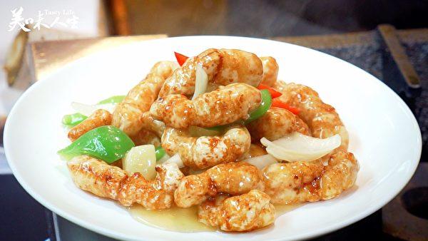 酸甜口味的咕咾肉(新唐人提供)