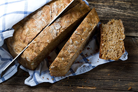 自制全麦面包。(Marina Onokhina/Shutterstock)