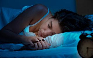 中醫認為,順應晝夜陰陽消長規律,在子時和丑時熟睡,對養護身體很重要,睡眠質量會更高。(Ruigsantos/Shutterstock)