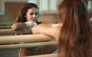 你去鍛練、去健康飲食,可以不因為你不喜歡自己的身體,而只是因為你有一份自愛,並且想激勵他人。(shutterstock)