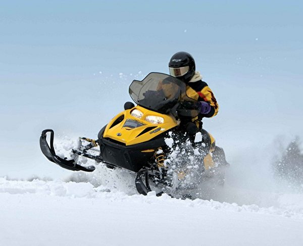 雪地摩托车。(波可诺景区提供)