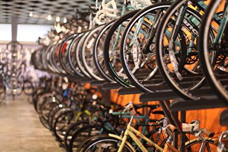 Centripetal Bikes有各种车种,店家能依个人习惯、特性找到属于每个人的单车。(旧金山湾区自行车店 Centripetal Bikes提供)