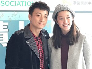 17日下午,香港藝人方力申攜手歐鎧淳來到香港浸會大學,分享「飛躍奇蹟」香港運動精神。(王文君/大紀元)