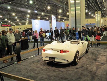 马自达(Mazda)MX-5是普通百姓负担得起的小型跑车。(童云/大纪元)