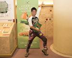 「無可挑剔」一詞是健身運動教練奧田洋子(Yoko Okuda)觀看了神韻演出之後的感慨。(野上浩史/大紀元)