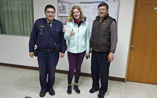 来自瑞士的24岁女子Nathalie,独自来台湾骑自行车环岛,日前受阻三芝区浅水湾。淡水警方发现后,将她带 回派出所休息并安排住宿。图为Nathalie全部家当。(警方提供)