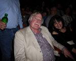 地產公司老闆Dwight Newell先生在2月18日看完神韻國際藝術團在費城瑪麗安劇院(Merriam Theater)的演出後讚歎:神韻音樂美妙脫俗。 (良克霖/大紀元)