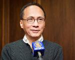 2017年2月19日下午,行政院長林全觀賞美國神韻紐約藝術團在台北國父紀念館的演出。(陳柏州/大紀元)