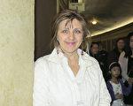 財務分析師Luba Gopaul女士觀看了神韻北美藝術團在美國明尼阿波利斯的演出。(林南宇/大紀元)