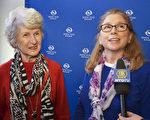 退休旅館老闆Kathleen Regester(左)和護士Kristi Ridgell(右)結伴看完神韻後,Ridgell興奮地說:「真高興我們買了票,並且坐一小時車來看演出!我要向所有人推薦神韻,真是美極了!」(新唐人電視)