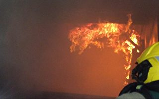 高溫700度的淬煉 義消辨別大敵「閃燃」
