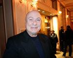 2月25日,擁有私人公司的自動化工程師Claudio Villa觀賞了神韻國際藝術團在費城瑪麗安劇院(Merriam Theater)的第十場演出,讚神韻是最高等級的演出。(衛泳/大紀元)
