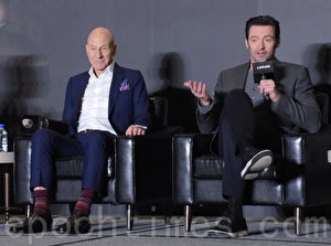 新片《罗根》于2017年2月28日在台北举行访台记者会。图左起为派屈克‧史都华、休‧杰克曼。(黄宗茂/大纪元)