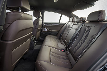 宝马530d后排座椅(BMW提供)