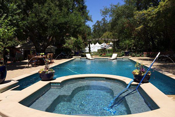 近年来华人纷纷赴美投资房地产。图为洛杉矶帕萨迪纳市(Pasadena)一处被华人买走的豪宅。(刘菲 /大纪元)