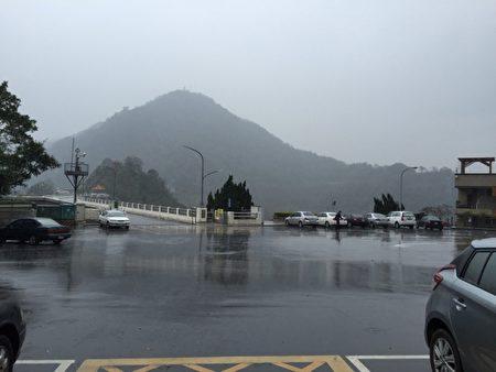 水利署22日配合锋面在桃竹苗地区水库进行人工增雨,虽有增加水量但进账有限。(中央社/提供)