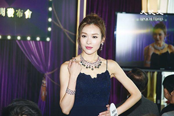 李佳芯演繹獲獎珠寶 雍容華貴更顯優雅