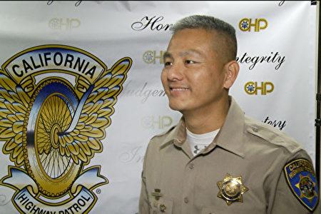 加州高速路巡警新聞官陶定正警官。(楊陽/大紀元)